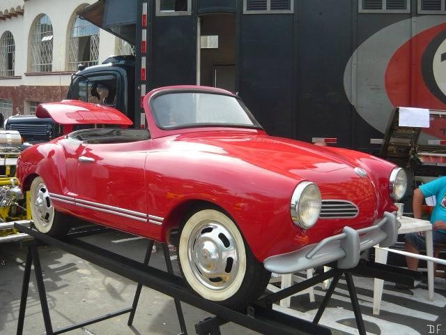 http://carro.mercadolivre.com.br/MLB-516971696-mini-karmann-ghia-carroceria-em-fibra-nova-rarissima-_JM